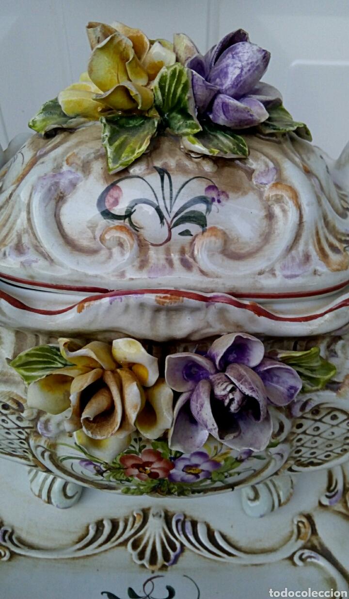 Antigüedades: Importante centro de mesa. Sopera con bandeja. Ceramica de Manises con epoca. - Foto 6 - 180167160