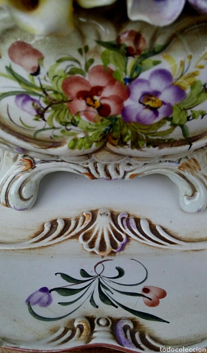 Antigüedades: Importante centro de mesa. Sopera con bandeja. Ceramica de Manises con epoca. - Foto 8 - 180167160