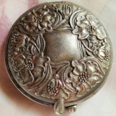 Antigüedades: ANTIGUO ESPEJO DE BOLSO DE METAL PLATEADO O PLATA. Lote 180170527