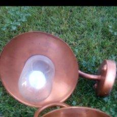 Antigüedades: LAMPARA O APLIQUE DE PARED DE COBRE O LATON. Lote 180178216