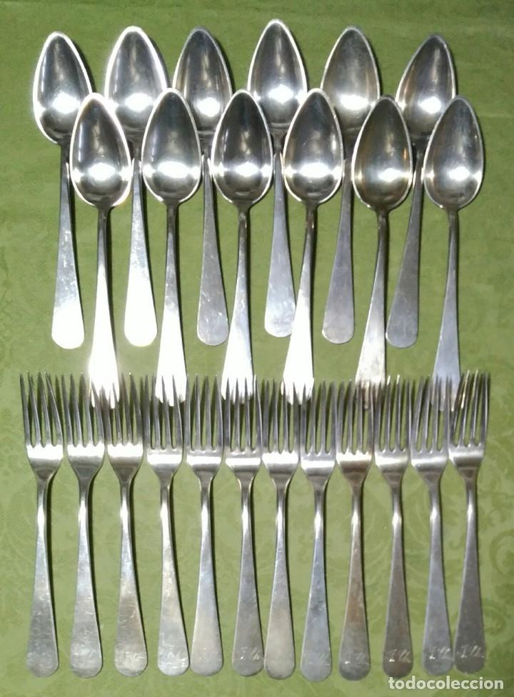 Antigüedades: Juego de 12 servicios -Cucharas y Tenedore Plata 11Dineros 916 ml. Peso 1652 gr. J.V Lorenzo. S. XIX - Foto 3 - 180201470
