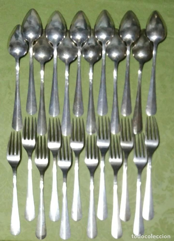 Antigüedades: Juego de 12 servicios -Cucharas y Tenedore Plata 11Dineros 916 ml. Peso 1652 gr. J.V Lorenzo. S. XIX - Foto 6 - 180201470