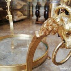 Antigüedades: MESA BAJA CON CARNEROS. Lote 180202933