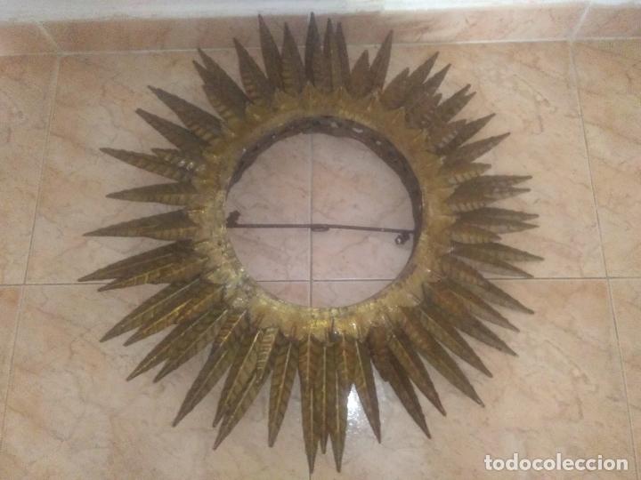 Antigüedades: LAMPARA VINTAGE TRIPLE FORJA DORADA TIPO ESPEJO SOL ORO ANTIGUA - Foto 10 - 180209441