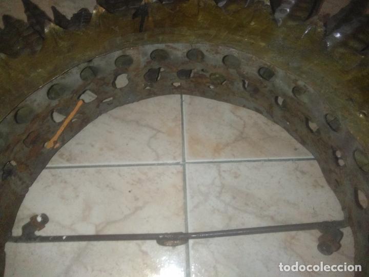 Antigüedades: LAMPARA VINTAGE TRIPLE FORJA DORADA TIPO ESPEJO SOL ORO ANTIGUA - Foto 14 - 180209441