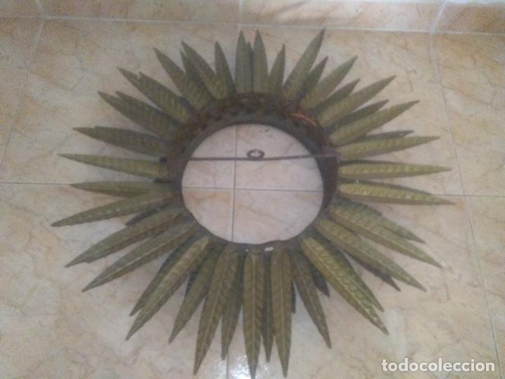 Antigüedades: LAMPARA VINTAGE TRIPLE FORJA DORADA TIPO ESPEJO SOL ORO ANTIGUA - Foto 15 - 180209441