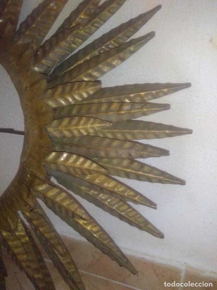 Antigüedades: LAMPARA VINTAGE TRIPLE FORJA DORADA TIPO ESPEJO SOL ORO ANTIGUA - Foto 22 - 180209441