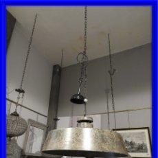 Antigüedades: LAMPARA FAROL INDUSTRIAL DE TECHO EN METAL VERDOSO DIAMETRO 60 CM.. Lote 180218350