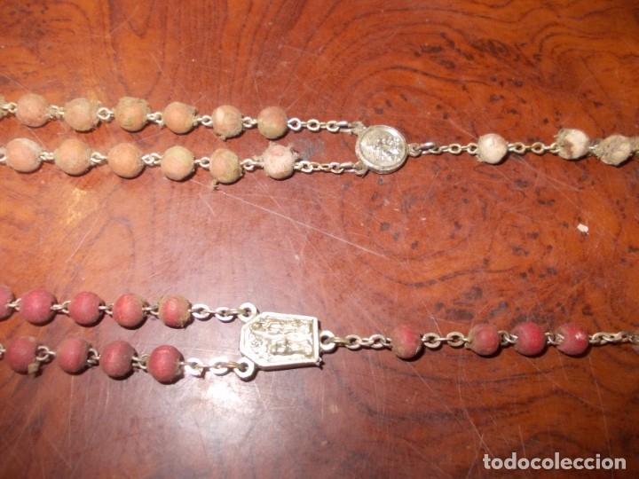 Antigüedades: Dos rosarios 40 y 48 cm. largo, medalla Virgen del Carmen 2,4 cm. diámetro - Foto 5 - 180232401