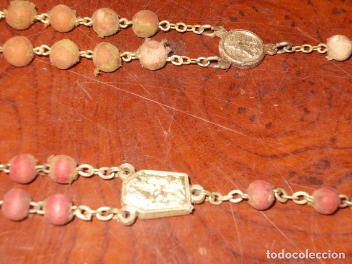 Antigüedades: Dos rosarios 40 y 48 cm. largo, medalla Virgen del Carmen 2,4 cm. diámetro - Foto 11 - 180232401