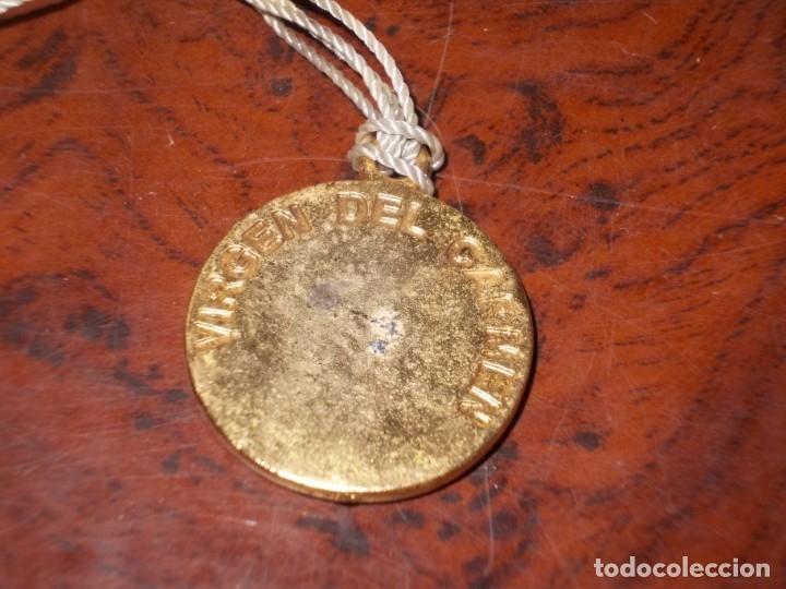 Antigüedades: Dos rosarios 40 y 48 cm. largo, medalla Virgen del Carmen 2,4 cm. diámetro - Foto 15 - 180232401
