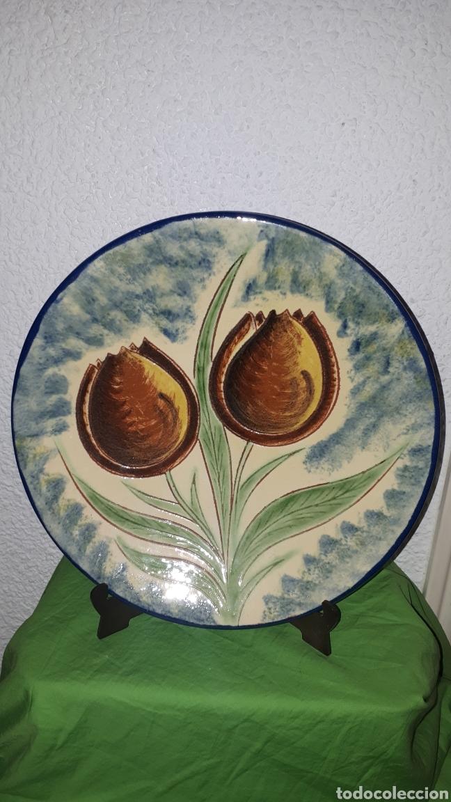 ORIGINAL PLATO CERAMICA LA BISBAL FIRMADO PUIGDEMENT 28 CM RADIO (Antigüedades - Porcelanas y Cerámicas - La Bisbal)