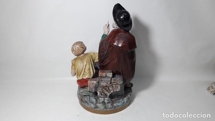 Antigüedades: Figura lazarillo de tormes sureda Made in spain pintada a mano en porcelana 18x31 - Foto 3 - 180236733