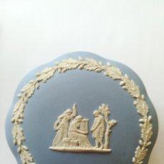 Antigüedades: CAJA CERAMICA INGLESA WEDGWOOD CELESTE . Lote 180239358