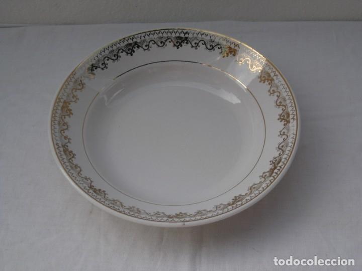 PLATO HONDO - PICKMAN SEVILLA LA CARTUJA.22.5 CM. (Antigüedades - Porcelanas y Cerámicas - La Cartuja Pickman)