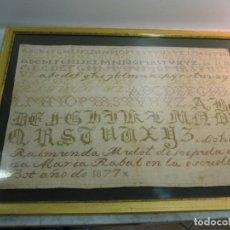 Antigüedades: ABECEDARIO BORDADO A MANO EN PUNTO DE CRUZ AÑO 1877 HECHO POR RAIMUNDA - ESCUELA DE BOT TARRAGONA. Lote 180257382