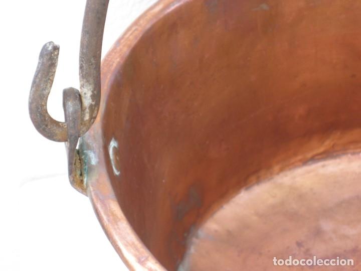 Antigüedades: Antigua caldera de cobre 35 cm de boca. - Foto 3 - 180262358
