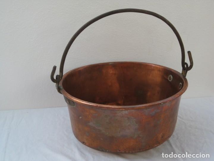 Antigüedades: Antigua caldera de cobre 35 cm de boca. - Foto 14 - 180262358