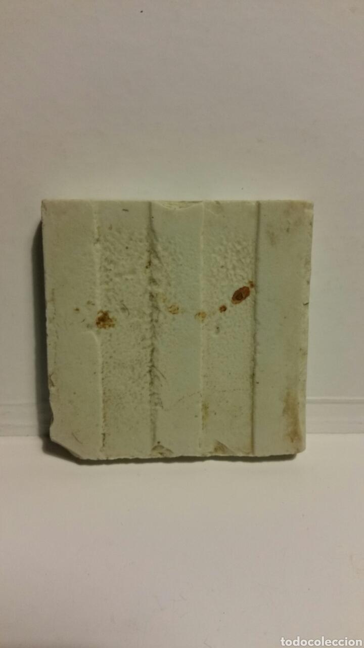 Antigüedades: Azulejo pequeño de cerámica. - Foto 2 - 180280918