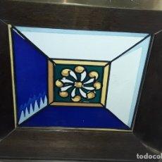 Antigüedades: ANTIGUO AZULEJO BALDOSA ENMARCADO. Lote 180290182