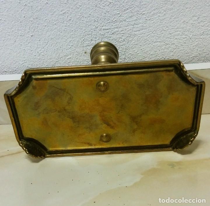 Antigüedades: PORTAVELAS BRONCE UNICO - Foto 3 - 180330825