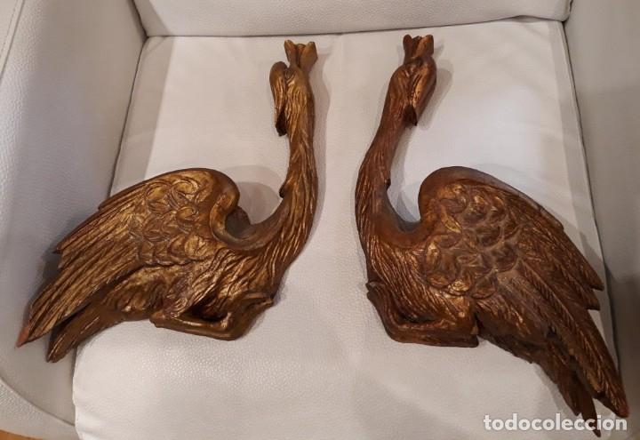 PAREJA CISNES DE MADERA (Antigüedades - Hogar y Decoración - Figuras Antiguas)