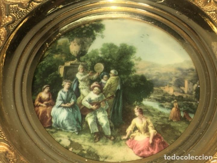 Antigüedades: Marco realizado en bronce, escena romántica Todas las medidas fotografiadas - Foto 2 - 180348313