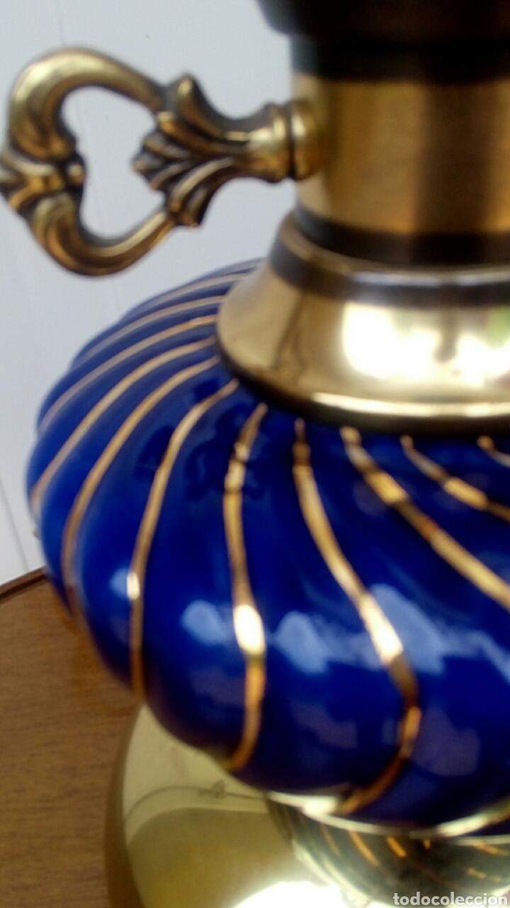 Antigüedades: Lampara - Quinque de bronce dorado y porcelana. Tulipa de crista decorado. - Foto 3 - 180393273