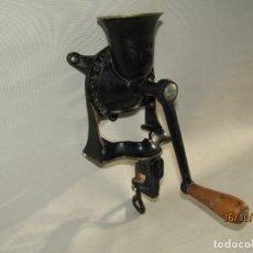 Antigüedades: ANTIGUO MOLINILLO O PICADORA EN HIERRO COLADO DE PARED O MESA MADE IN ENGLAND POR SPONG & CO. LTD.. Lote 180395223