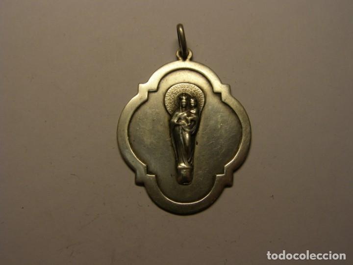 MEDALLA RELIGIOSA, VIRGEN DEL PILAR. DE PLATA. (Antigüedades - Religiosas - Medallas Antiguas)