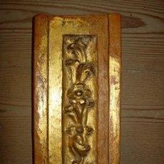 Antigüedades: ORNAMENTO SIGLO XVII, MADERA Y ORO. Lote 180424183