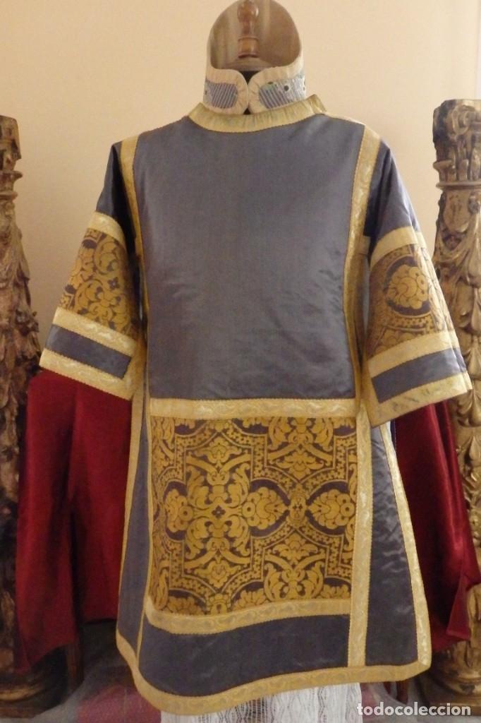 Antigüedades: Pareja de dalmáticas confeccionadas en seda brocada con motivos barrocos. Siglo XIX. - Foto 9 - 180425062