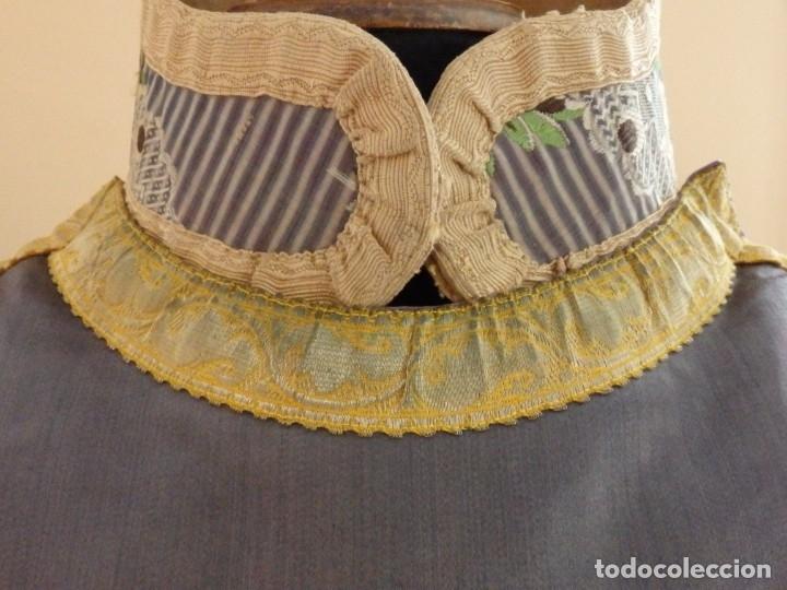 Antigüedades: Pareja de dalmáticas confeccionadas en seda brocada con motivos barrocos. Siglo XIX. - Foto 10 - 180425062