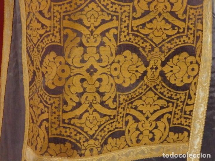 Antigüedades: Pareja de dalmáticas confeccionadas en seda brocada con motivos barrocos. Siglo XIX. - Foto 14 - 180425062