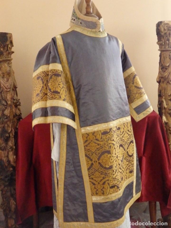 Antigüedades: Pareja de dalmáticas confeccionadas en seda brocada con motivos barrocos. Siglo XIX. - Foto 16 - 180425062