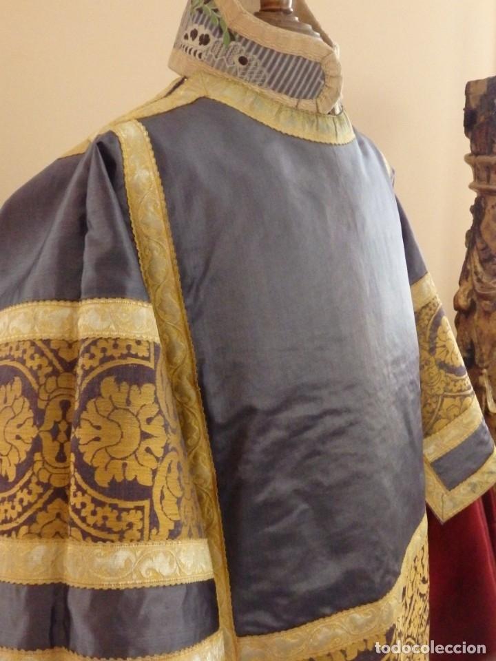 Antigüedades: Pareja de dalmáticas confeccionadas en seda brocada con motivos barrocos. Siglo XIX. - Foto 17 - 180425062
