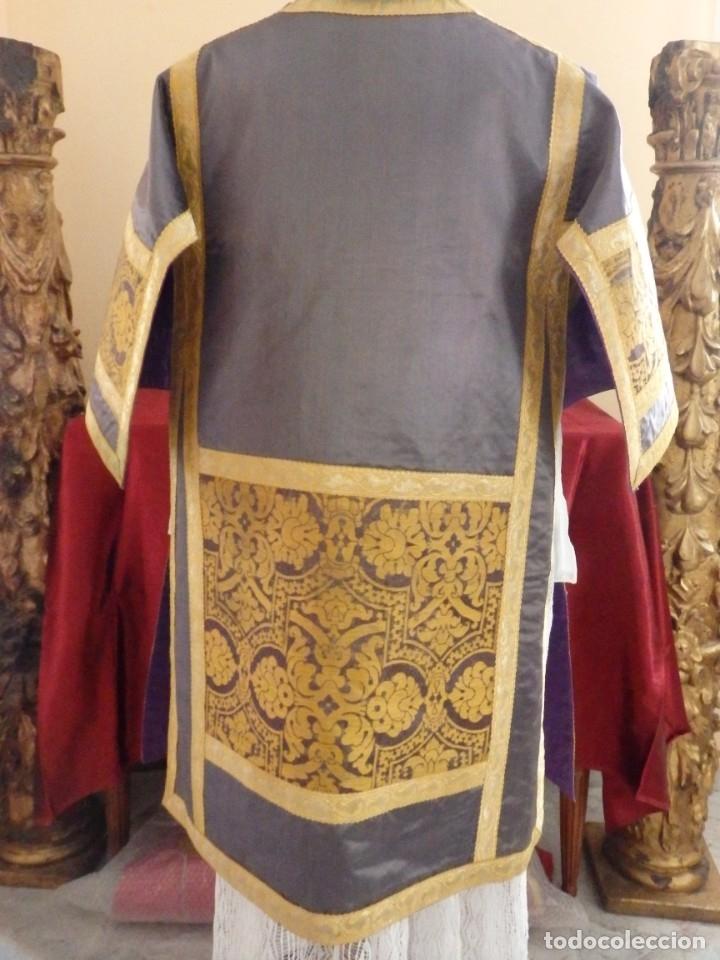 Antigüedades: Pareja de dalmáticas confeccionadas en seda brocada con motivos barrocos. Siglo XIX. - Foto 19 - 180425062