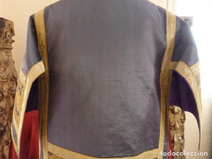 Antigüedades: Pareja de dalmáticas confeccionadas en seda brocada con motivos barrocos. Siglo XIX. - Foto 21 - 180425062