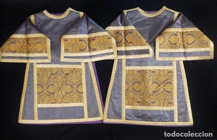 Antigüedades: Pareja de dalmáticas confeccionadas en seda brocada con motivos barrocos. Siglo XIX. - Foto 22 - 180425062