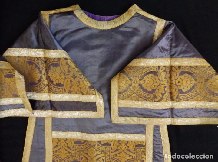 Antigüedades: Pareja de dalmáticas confeccionadas en seda brocada con motivos barrocos. Siglo XIX. - Foto 23 - 180425062
