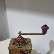Antigüedades: ANTIGÜO Y RARO MOLINILLO TAPIZADO. Lote 180428076