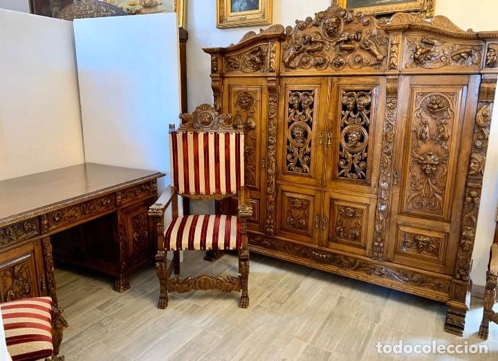 DESPACHO TALLADO RENACIMIENTO ESPAÑOL NOGAL (Antigüedades - Muebles Antiguos - Mesas de Despacho Antiguos)