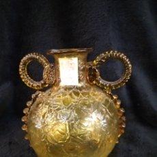 Antigüedades: JARRÓN FLORERO DE CRISTAL SOPLADO, COLOR ÁMBAR. MURANO???. Lote 180450372