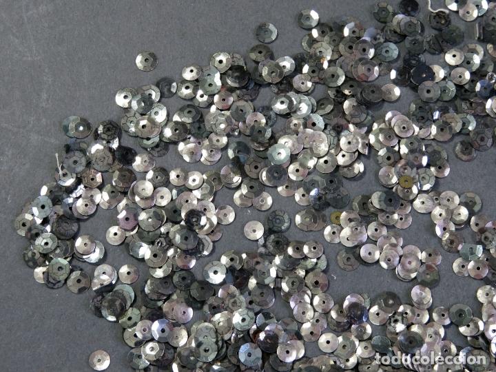 Antigüedades: Lote lentejuelas metal color plata - Foto 2 - 180475682