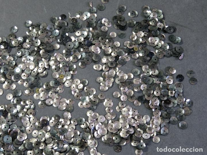 Antigüedades: Lote lentejuelas metal color plata - Foto 3 - 180475682