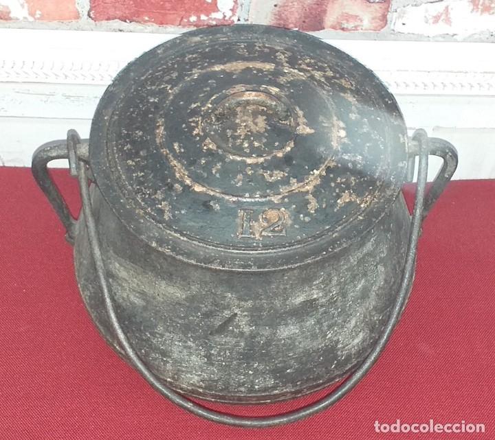 Antigüedades: GRAN OLLA DE HIERRO Nº 12 SIGLO XIX - Foto 2 - 180839318