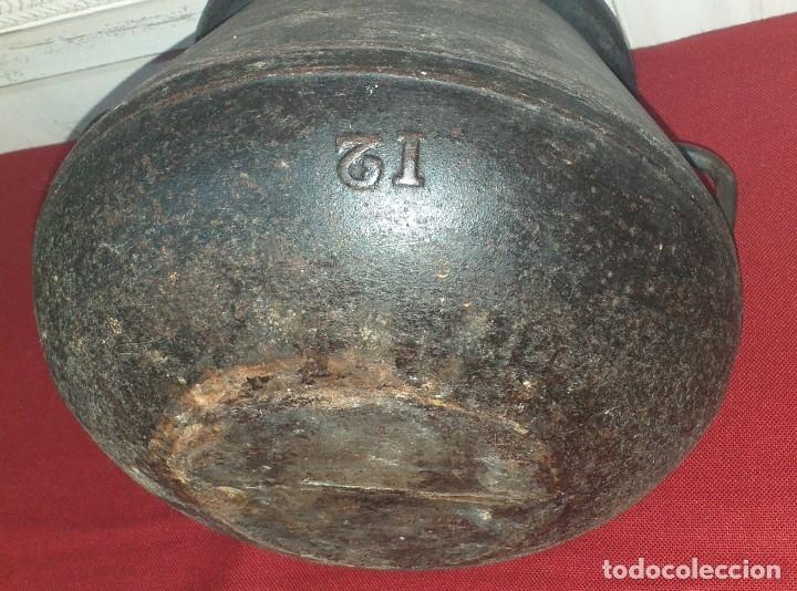 Antigüedades: GRAN OLLA DE HIERRO Nº 12 SIGLO XIX - Foto 8 - 180839318