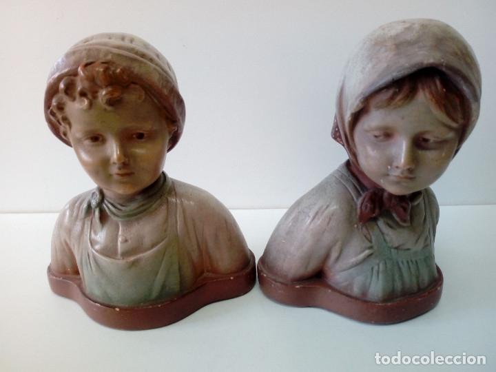 PAREJA DE NIÑOS TERRACOTA FIRMADAS (Antigüedades - Hogar y Decoración - Figuras Antiguas)