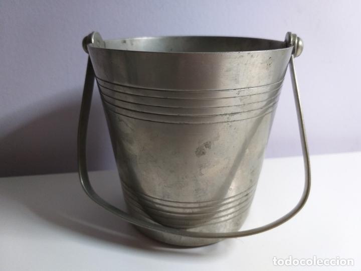 Antigüedades: Cubitera de metal antigua - Foto 3 - 180876826