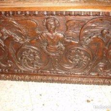 Antigüedades: PRECIOSO Y GRANDE ARCON/BAUL DE ROBLE TALLADA - SIGLO XVII. Lote 180896011